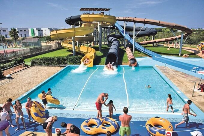 Three water parks for the family in menorca - Parque acuatico menorca ...