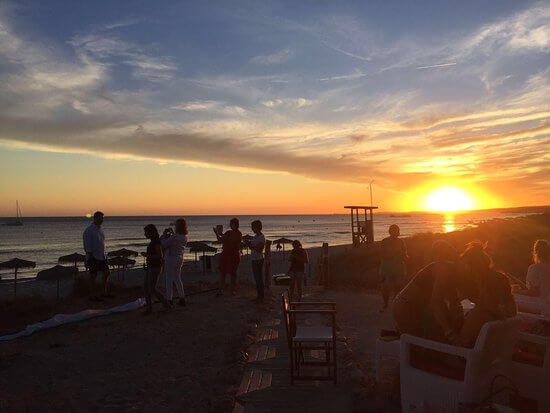 Sunset in the beach club - Bonin sanso ...