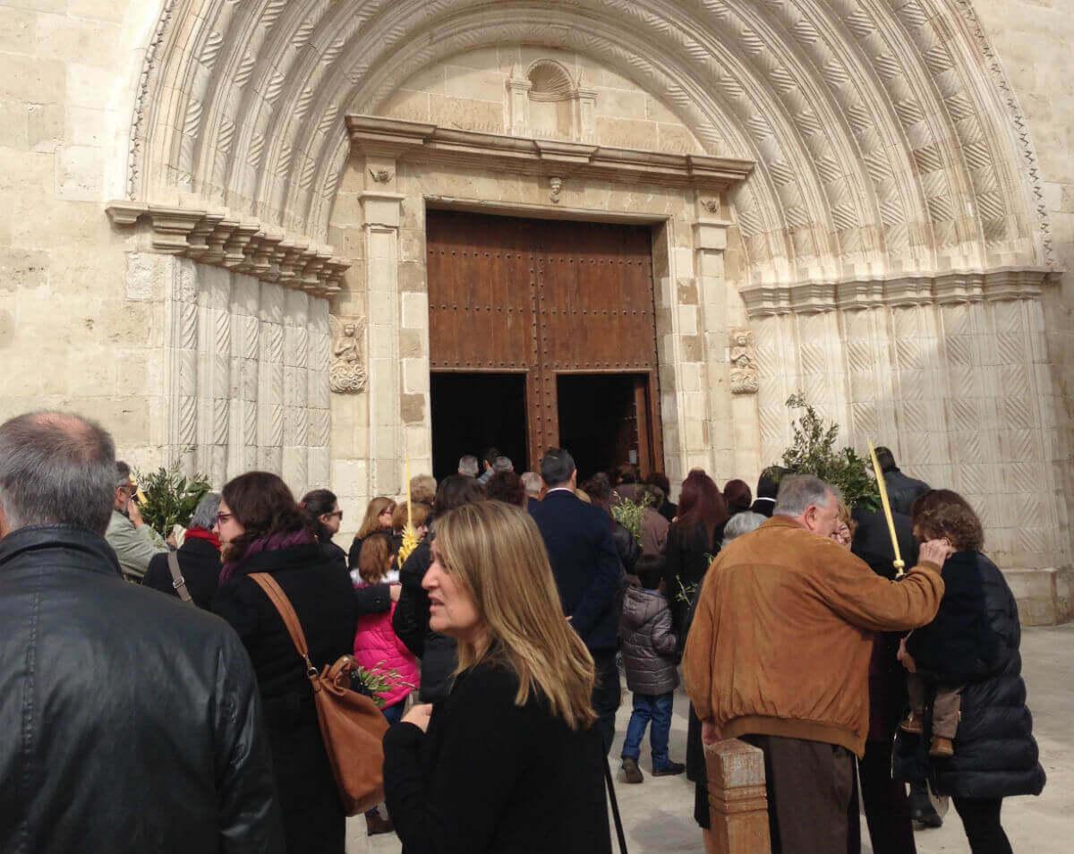 ramos iglesia menorca 1 - Semana Santa en Menorca