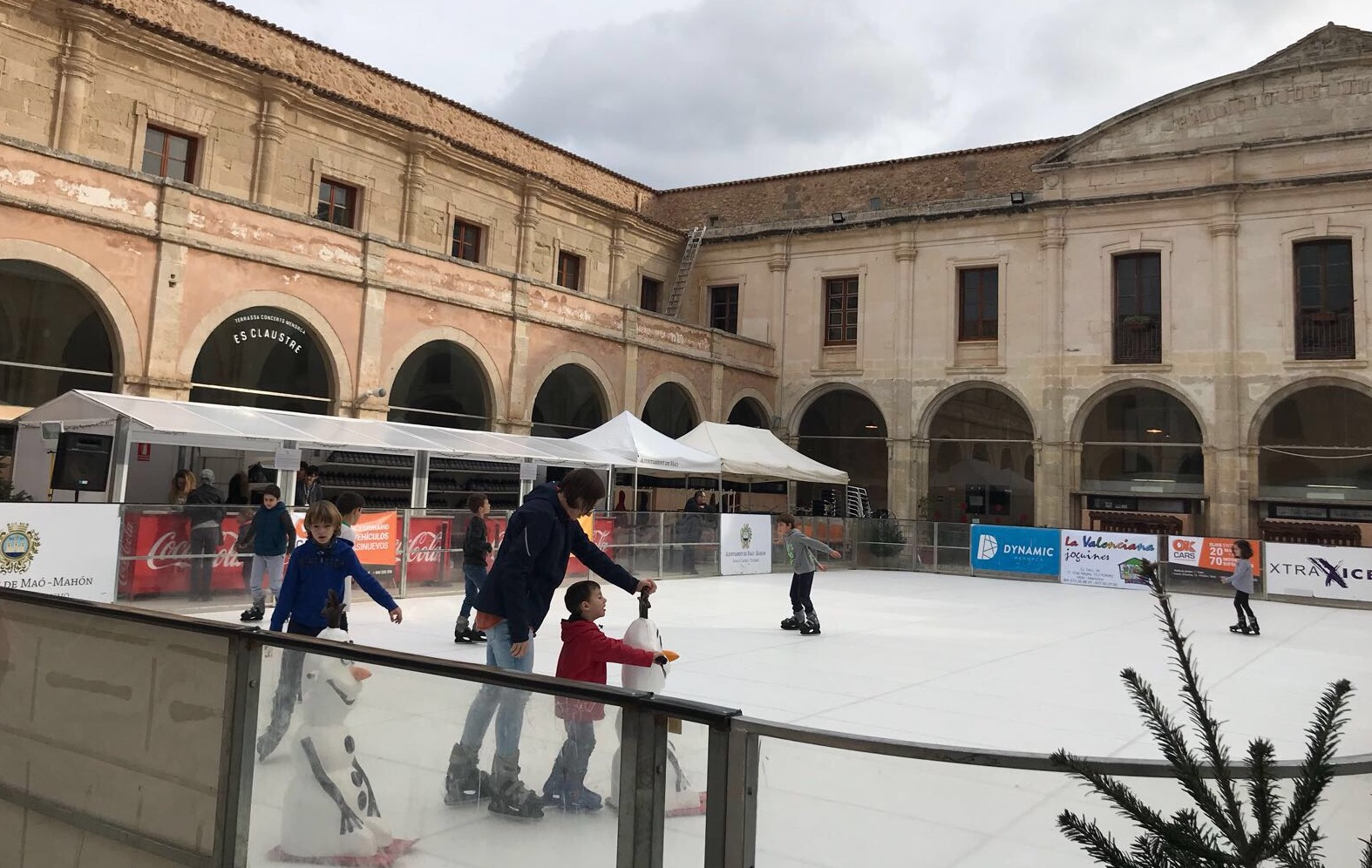 pistagelmao 1 - The fun of ice skating in Menorca