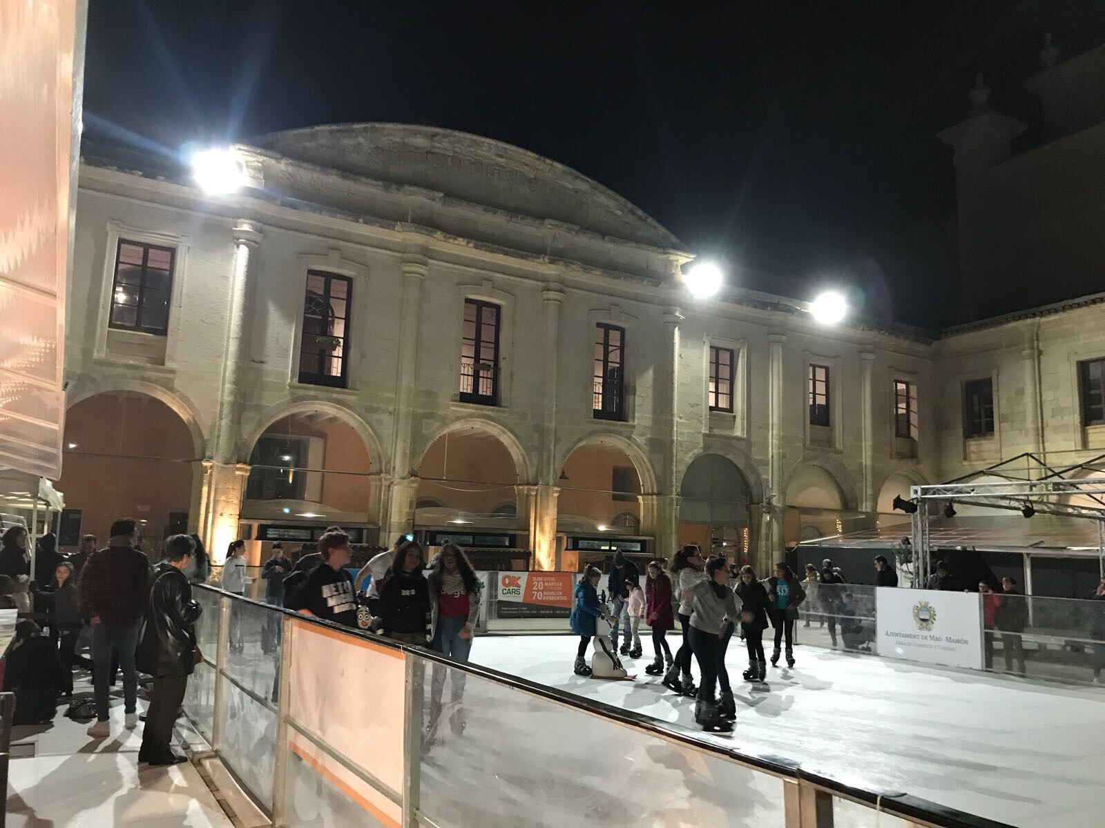 pistagelmaop - The fun of ice skating in Menorca
