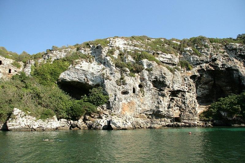 Necrópolis de Cales Coves - Camí de cavalls: de Cala en Porter a Binissafúller