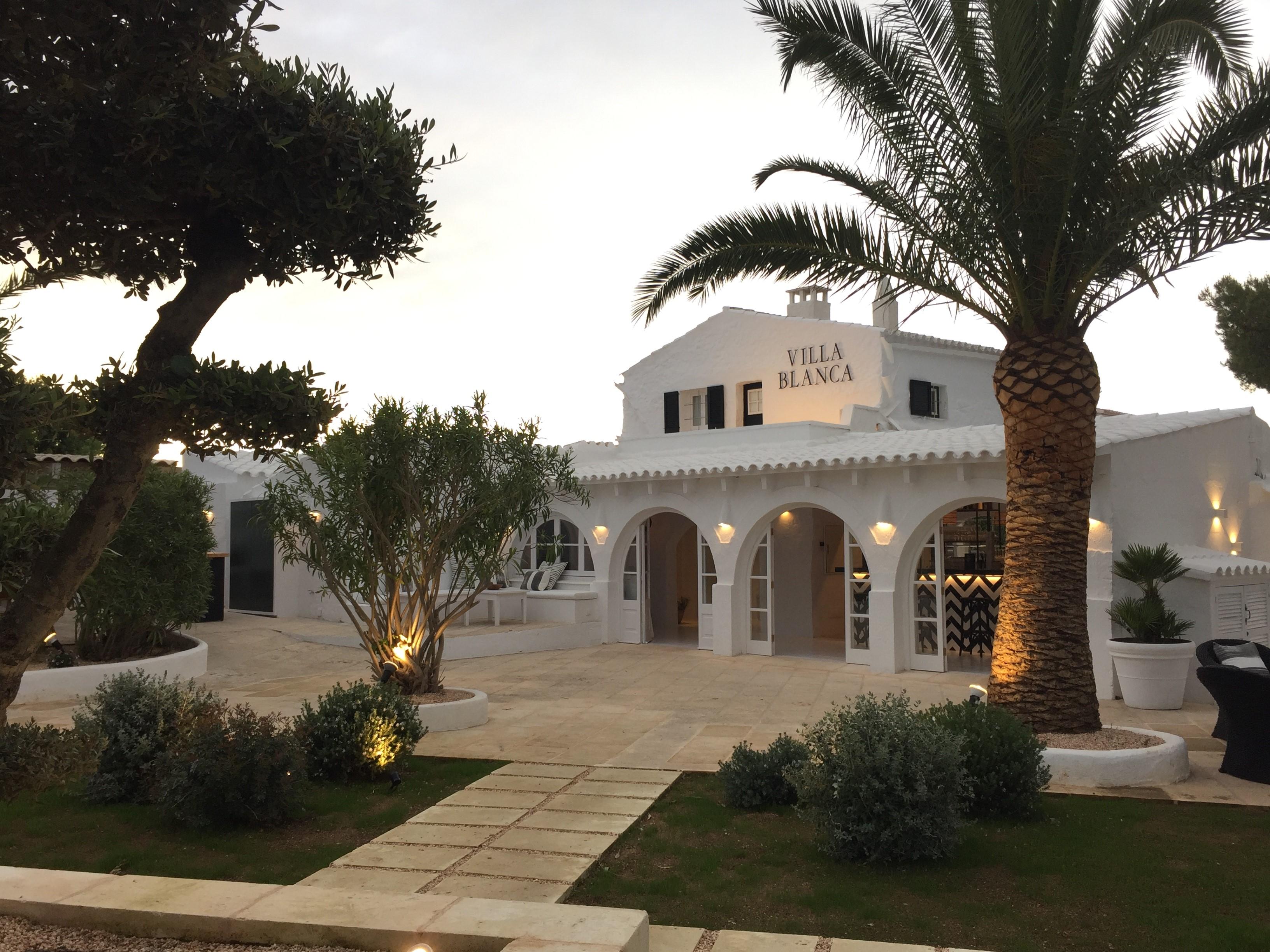 Villa blanca - From Anakena to Villa Blanca
