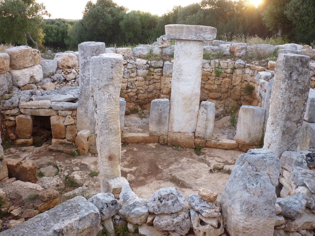 P1010047 - Minorque Talayot: Torre d'en Galmés